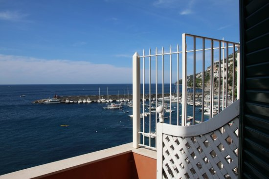 Camere con vista: view from the room with a big balcony