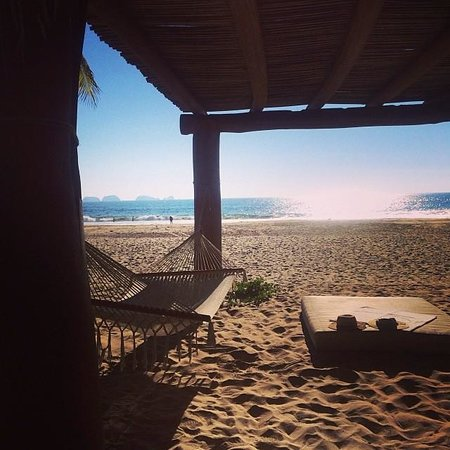 Las Palmas Resort & Beach Club: at the beach