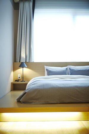 Hotel ShinShin Myeongdong: Inviting_Deluxe Double 4