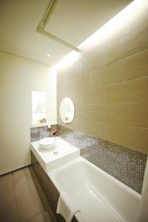Hotel ShinShin Myeongdong: Inviting_Deluxe Double 9