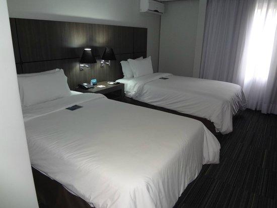 Slaviero Conceptual Palace Hotel Curitiba: Camas