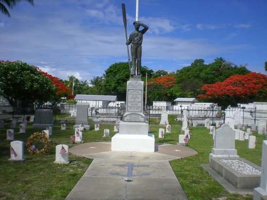 Key West Cemetery: US Maine