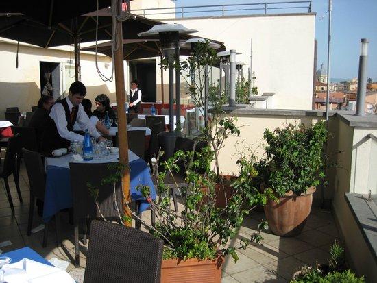 La Griffe Roma - MGallery Collection: Restaurante no piso superior