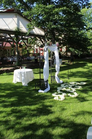 Joseph Ambler Inn: Ceremony set up
