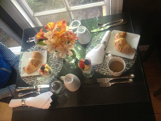 Inn and Spa at Parkside: Part one of the amazing breakfast