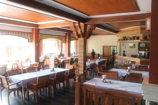 Aloha Resort: Ресторан отеля