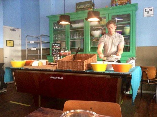 Copenhagen Downtown Hostel : all you can eat breakfast served in the bar area 7-11 65DKK