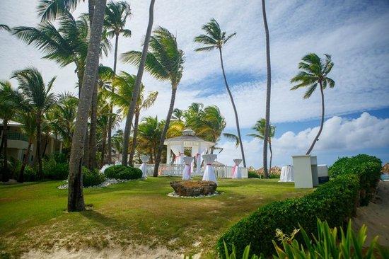 Paradisus Punta Cana Resort: Our beach side gazebo wedding
