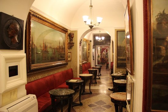 Caffe Greco: Interior