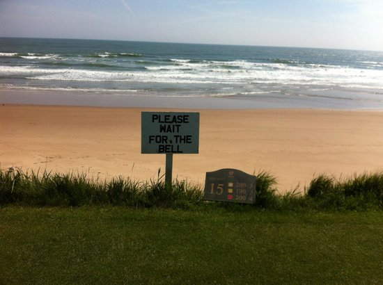 Cruden Bay Golf Club: A clear sign you have a blind hole ahead