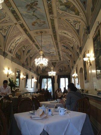 Hotel Degli Orafi: Breakfast room.  Superb.