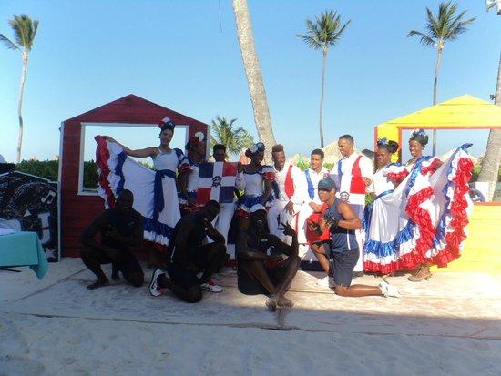 Now Larimar Punta Cana: danse locale