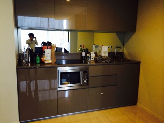 Fraser Suites Perth: Kitchenette