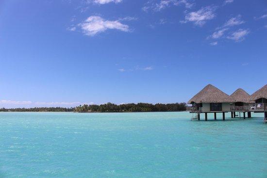 Le Meridien Bora Bora: Over Water Bungalow