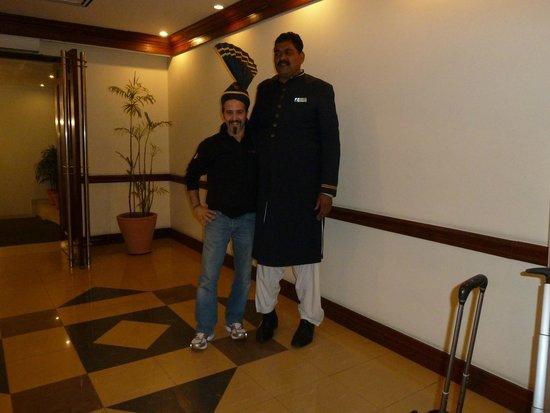 """Pearl Continental Lahore : Io e la """"guardia"""""""