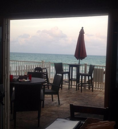 Sun Tower Hotel & Suites: View from the bar