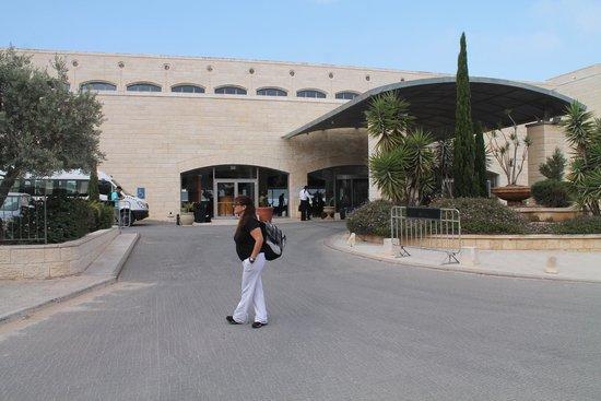Golden Crown Nazareth Hotel : Entrada principal