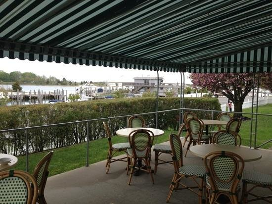 Sag Harbor Inn: breakfast patio