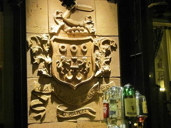 Clontarf Castle Hotel: In the Knight's Bar
