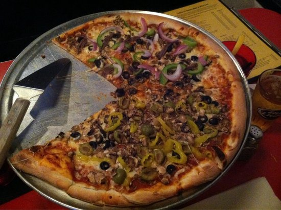 Lucky 12 Tavern: Generous with toppings, great sauce, thin NY style crust