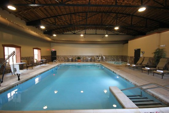 Best Western Plus Intercourse Village Inn & Suites: Swimming Pool Area