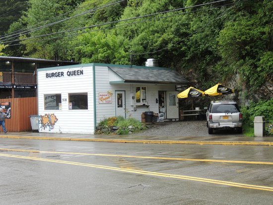 Burger Queen: View from the street