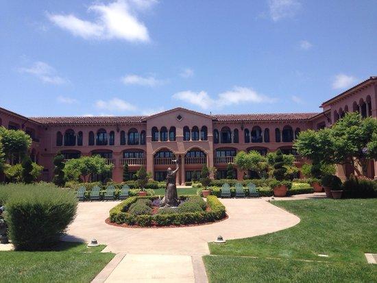 Fairmont Grand Del Mar : Walking around the property