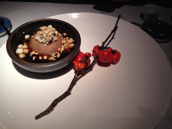 Shi-Yang Tea House : dessert (taro with mochi)