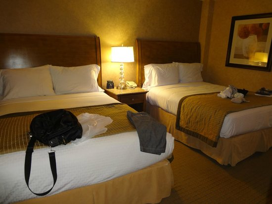 Doubletree Suites by Hilton Hotel Anaheim Resort - Convention  Center: ベッドルーム