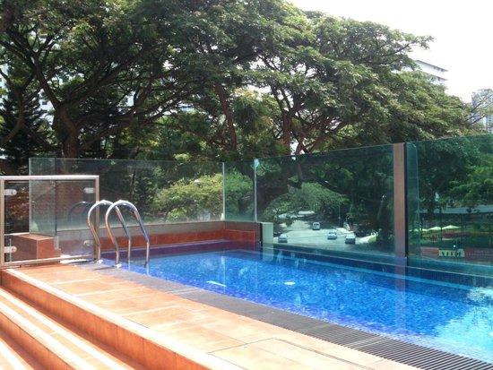 Hotel Nostalgia: Pool