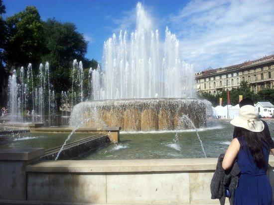 The fountain in front of Castello Sforzesco