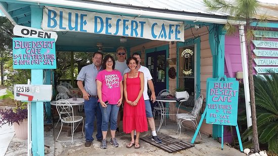Blue Desert Cafe: Both day with friends and a great meal