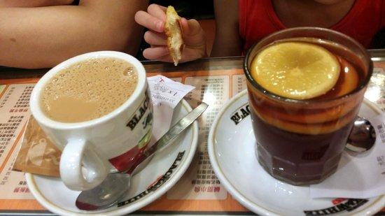 Kam Wah Cafe: Hot Milk Tea & Lemon Tea