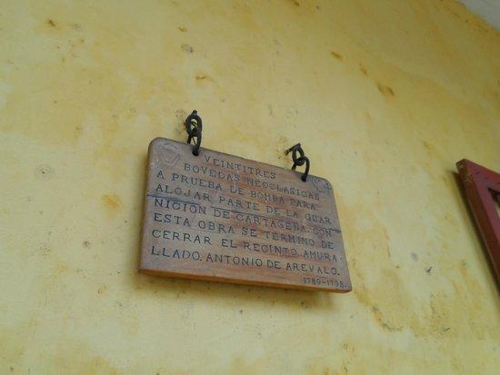Muraille : incripcion sobre pared en bodegas.