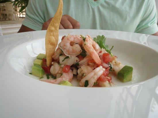 Sandos Cancun Luxury Resort: yum.