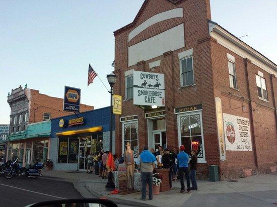 Cowboy's Smoke House: People waiting outside