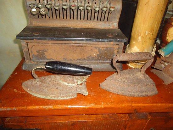 Hacienda El Jibarito: Planchitas antiguas