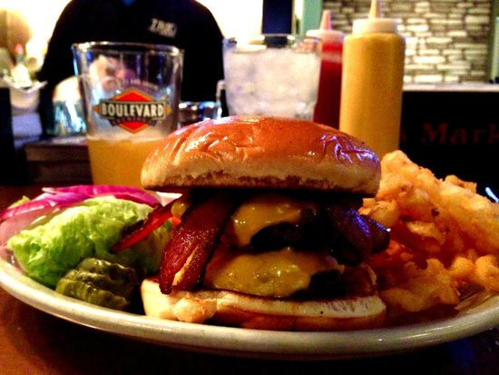 TRIO Tap House: Nothing like a Great Hand*smashed Fresh Burger