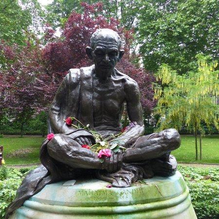 Tavistock Square: Gandhi Statue