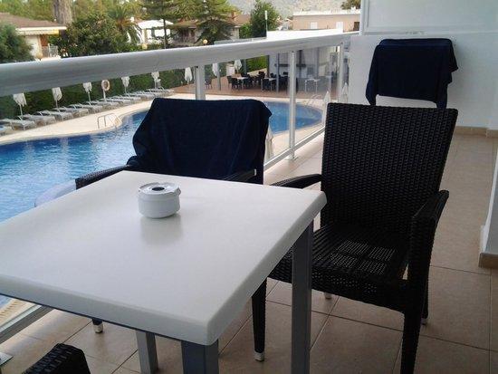 Las Gaviotas Suites Hotel : ons ruime terras