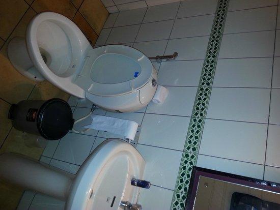 Angels Resort: Bathroom