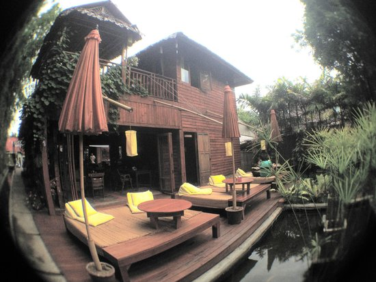Pai Village Boutique Resort & Farm: นั่งดื่ม หรืออาหาร