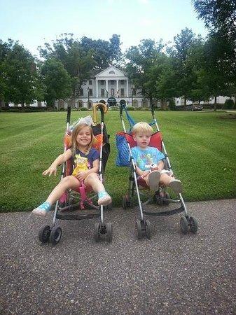 The kids at Williamsburg Inn
