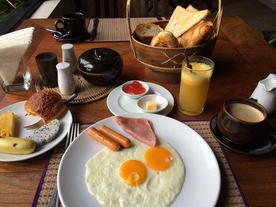 Bunwin Boutique Hotel: Breakfast spread