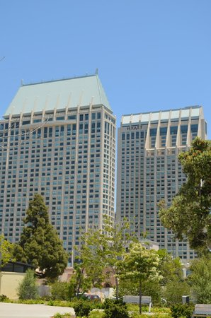 Manchester Grand Hyatt San Diego : The Two Hotel Towers