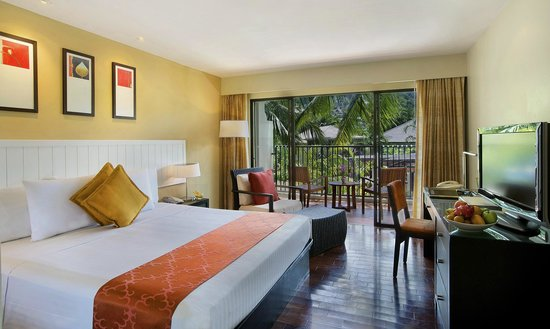 Novotel Phuket Surin Beach Resort. : King Deluxe