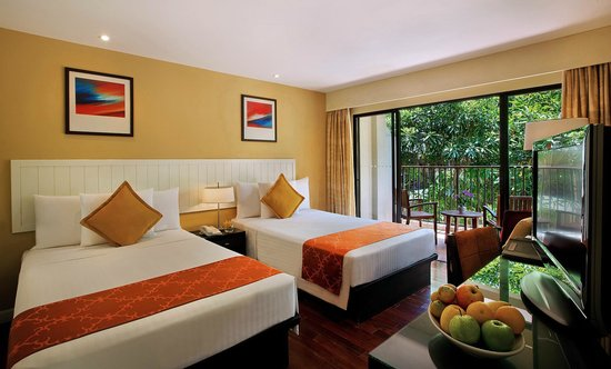 Novotel Phuket Surin Beach Resort. : Twin Deluxe