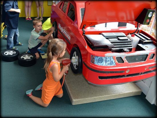 The Magic House: girls can work on cars too!
