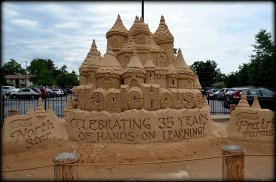 The Magic House : sand castle