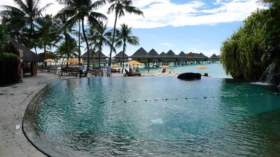 InterContinental Bora Bora Le Moana Resort: Smaller than average pool